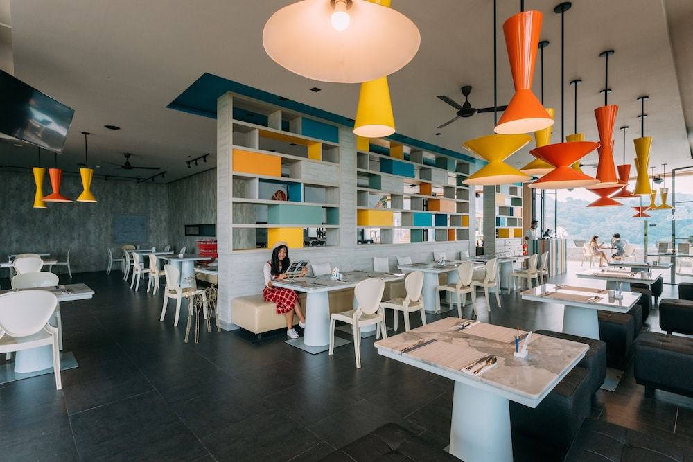 Breakfast Area, The Sea Galleri by Katathani
