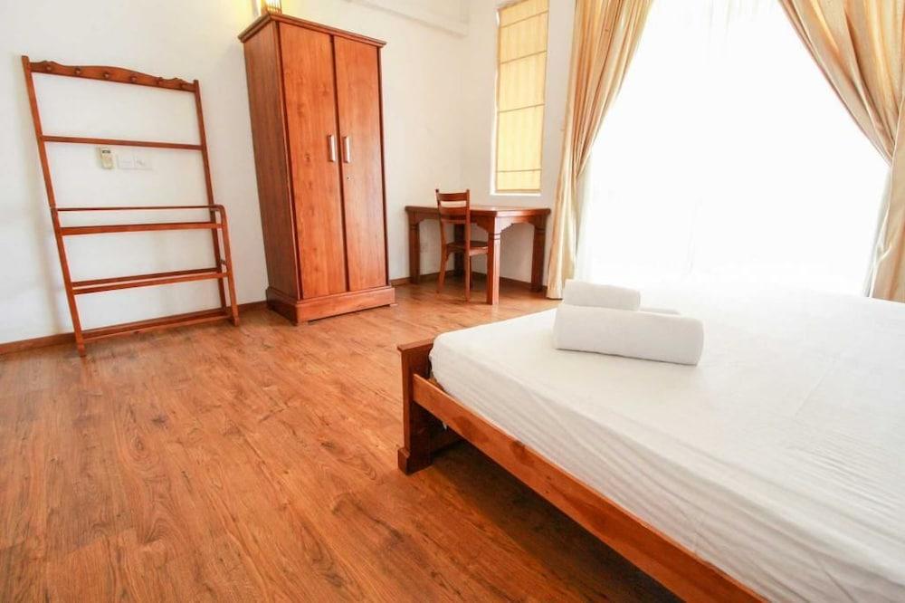 Wellawatte Hotel Rooms
