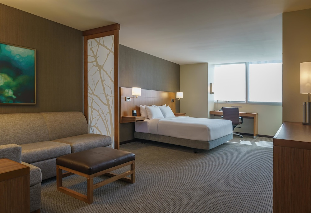 Hyatt place houston galleria 2017 room prices deals - The living room lounge houston tx ...