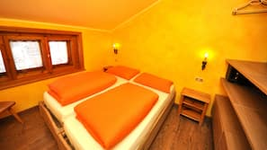 2 bedrooms, premium bedding, in-room safe, free WiFi