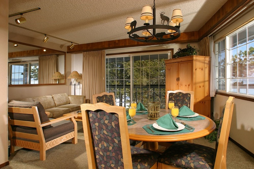 Tahoe beach and ski in lake tahoe hotel rates reviews for Ski liberty cabin rentals