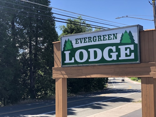 Evergreen Lodge