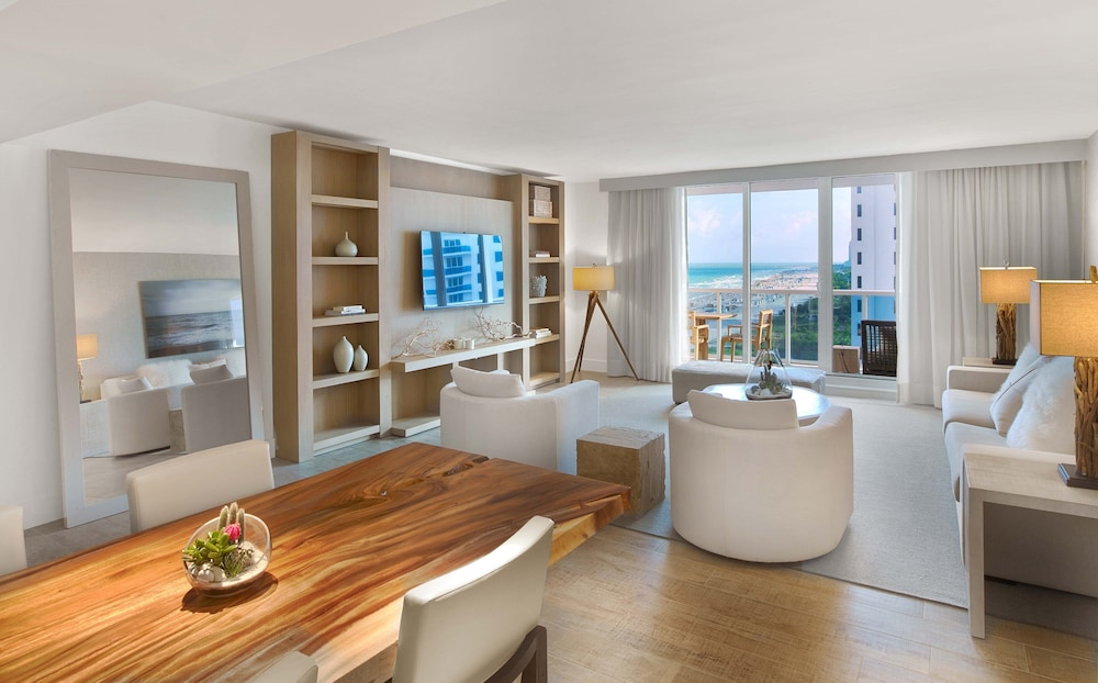 Room, The Retreat Collection at 1 Hotel & Homes South Beach