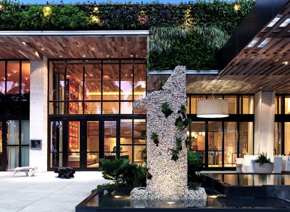 Front of Property - Evening/Night, The Retreat Collection at 1 Hotel & Homes South Beach