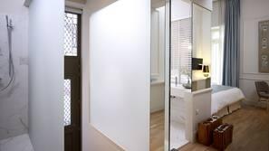Premium bedding, minibar, in-room safe, iron/ironing board