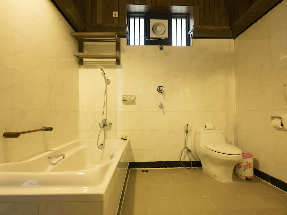 Bathroom, Thande Beach Hotel Ngapali