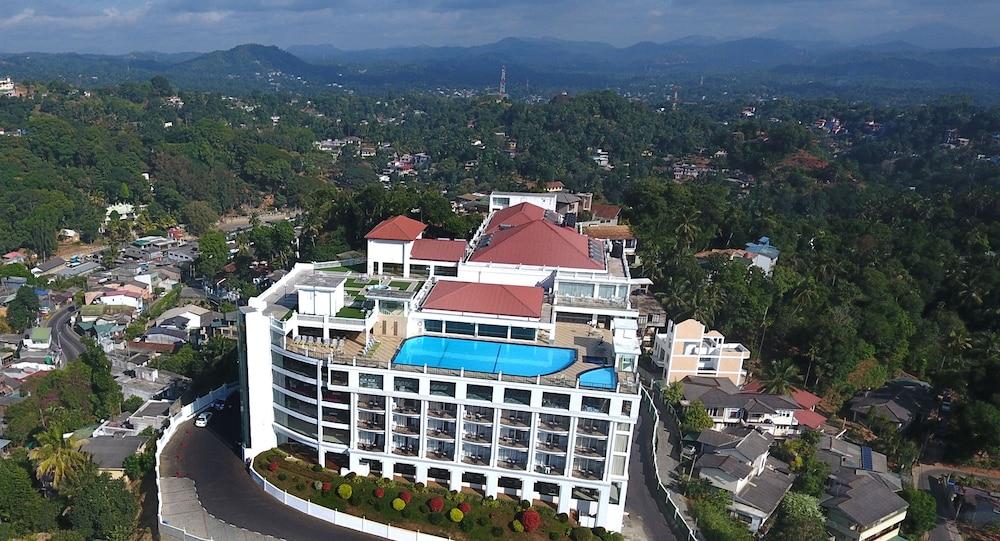 The grand kandyan reviews photos rates - Grand hotel sri lanka ...