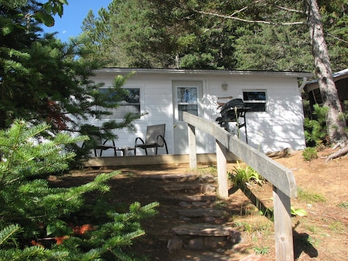 Great Place to stay White Pine Cottages on Lake St. Peter near Hastings Highlands