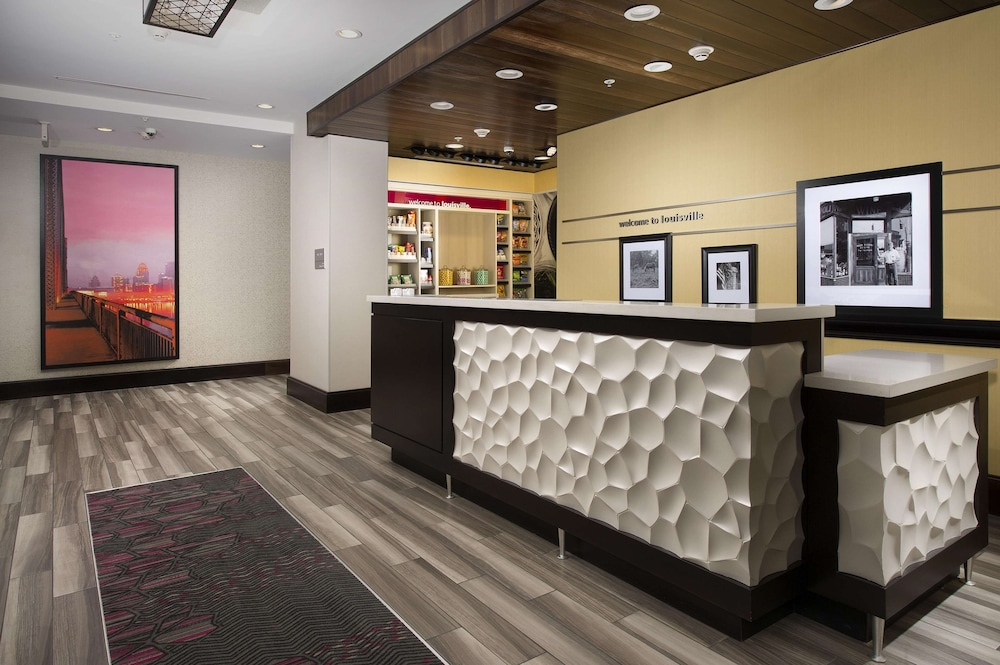 Reception, Hampton Inn Louisville East/Hurstbourne