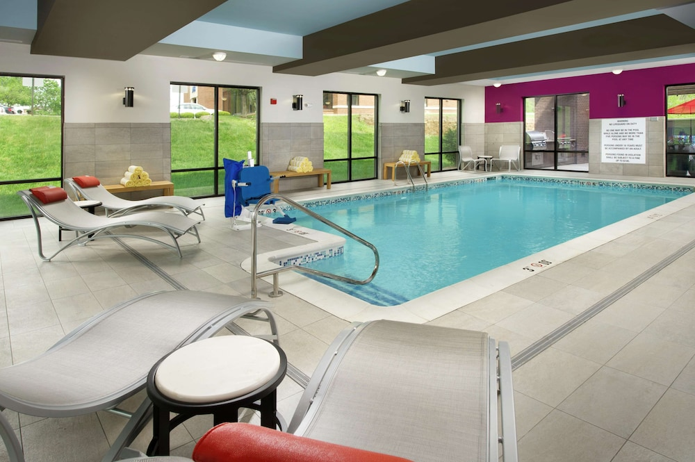 Pool, Hampton Inn Louisville East/Hurstbourne