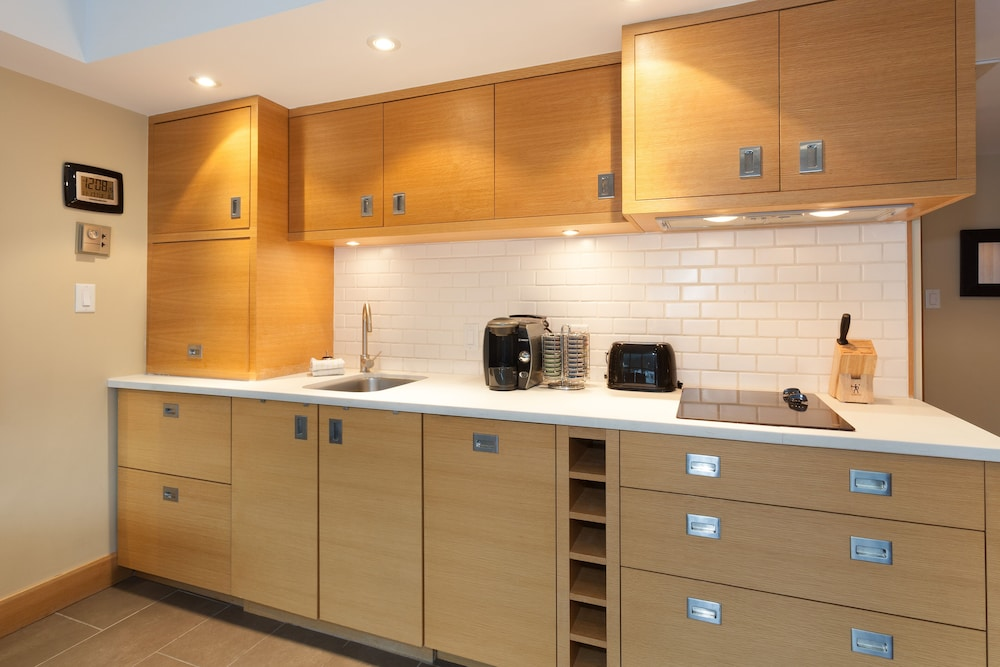 Private Kitchenette, Le Chamois by Whistler Premier