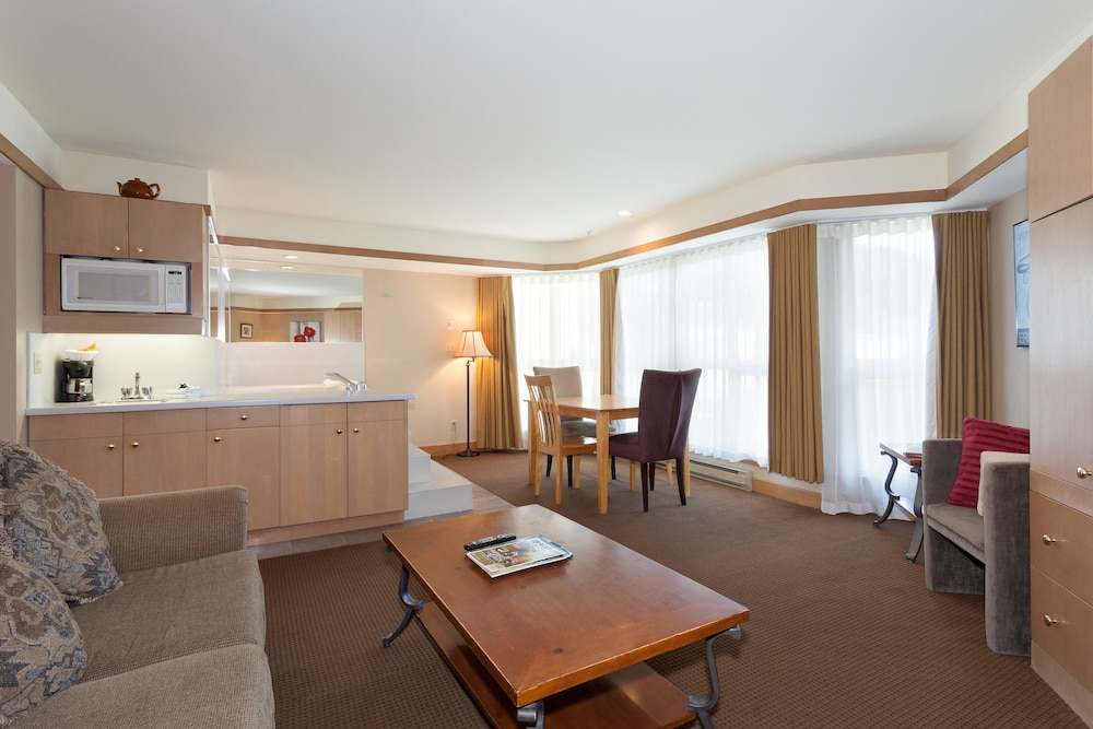 Room, Le Chamois by Whistler Premier
