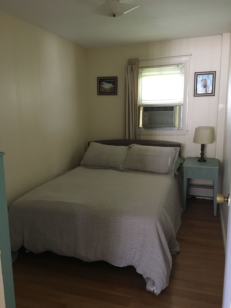 Room, Grand View Motel