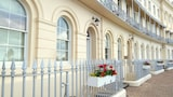 Hesketh Crescent Apartment - Torquay Hotels