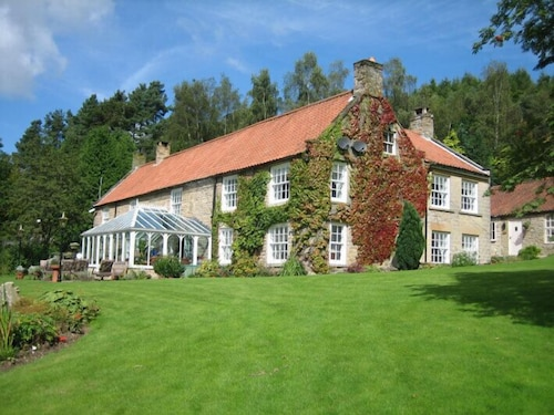 High Dalby House & Cottages
