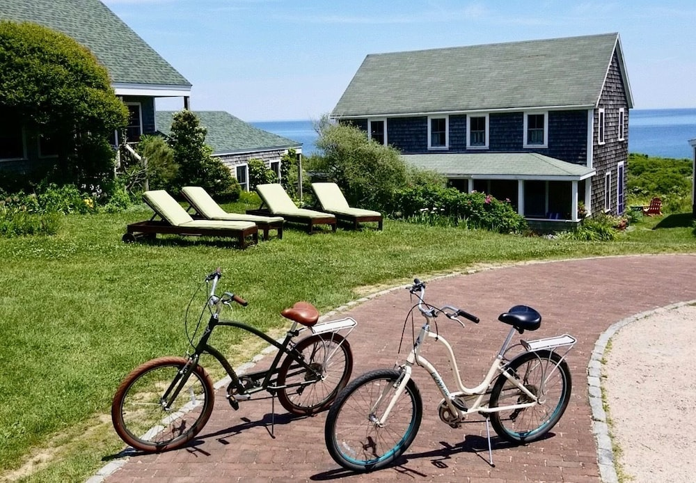 Bicycling, Sea Breeze Inn