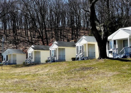 Rainbow Motel In Worcester Hotel Rates Reviews On Orbitz