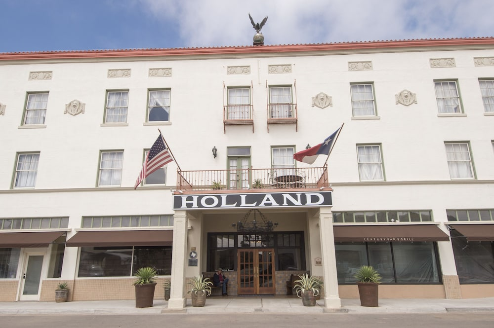 Front of Property, The Holland Hotel