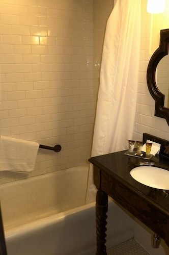 Bathroom, The Holland Hotel