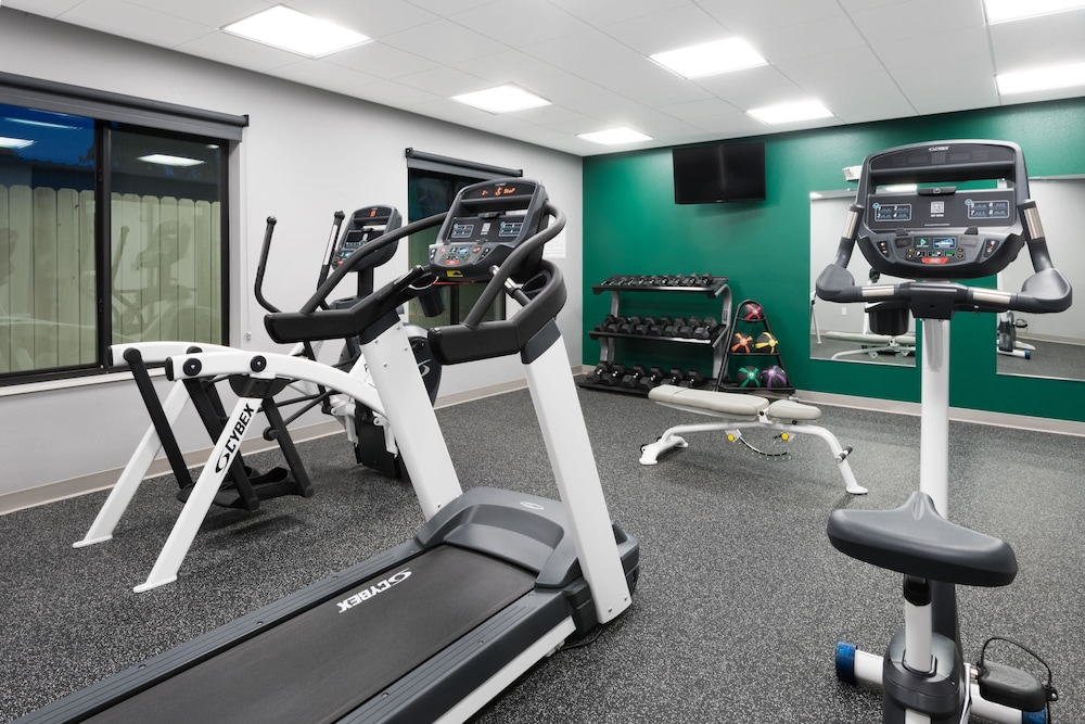 Fitness Facility, Wingate by Wyndham Sidney