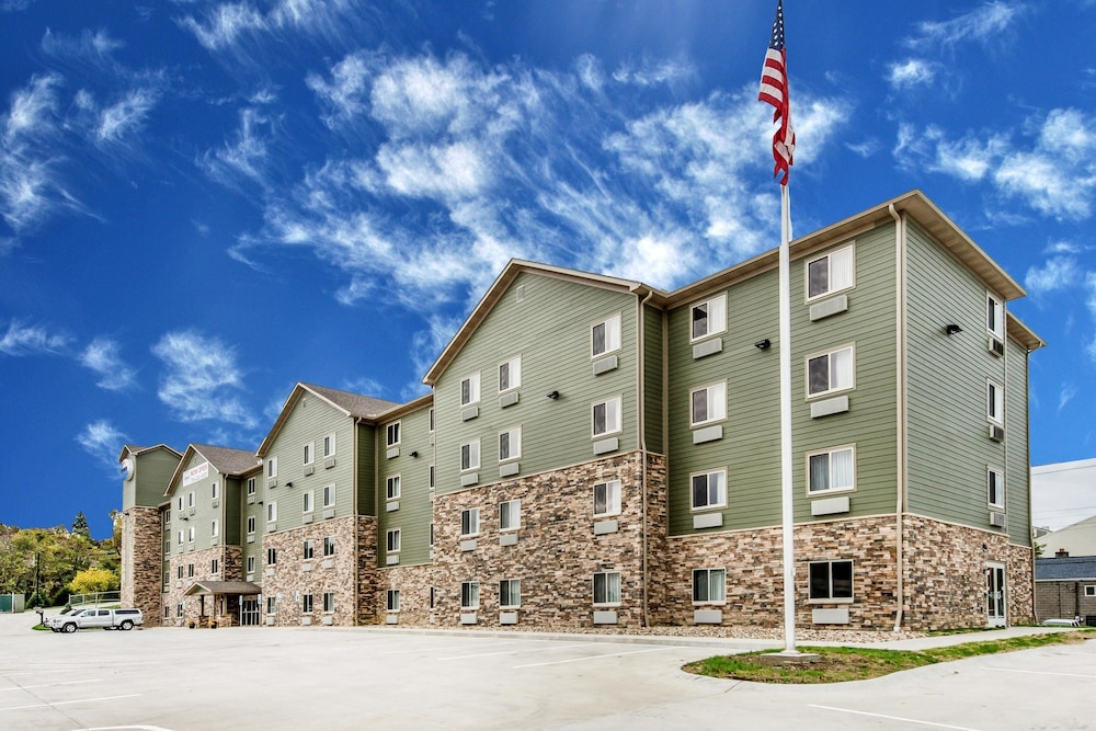 Suburban Extended Stay Hotel 2 0 Out Of 5 Exterior Featured Image