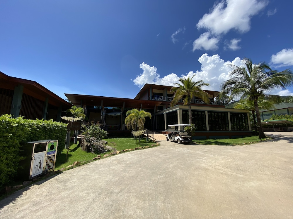 Front of Property, Kai Bae Beach Resort Koh Chang