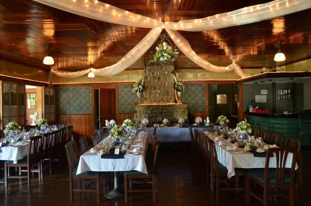 Banquet Hall, Pine Lodge
