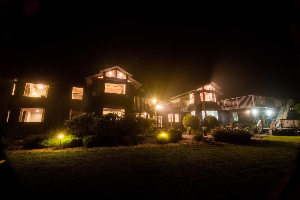Book mendocino inn spa little river hotel deals for Little hotels