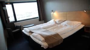 Desk, rollaway beds, free WiFi, linens