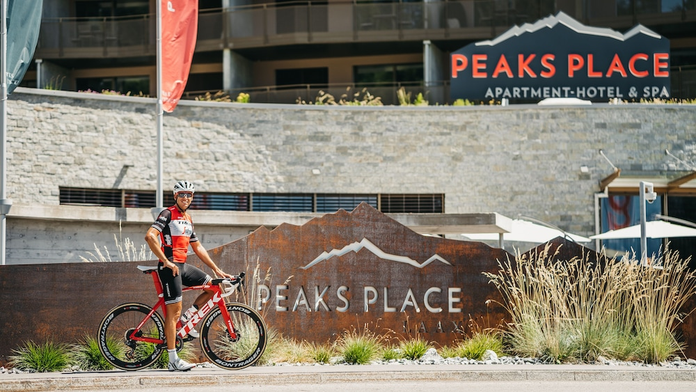 Bicycling, Peaks Place