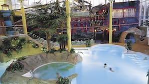 6 indoor pools, outdoor pool