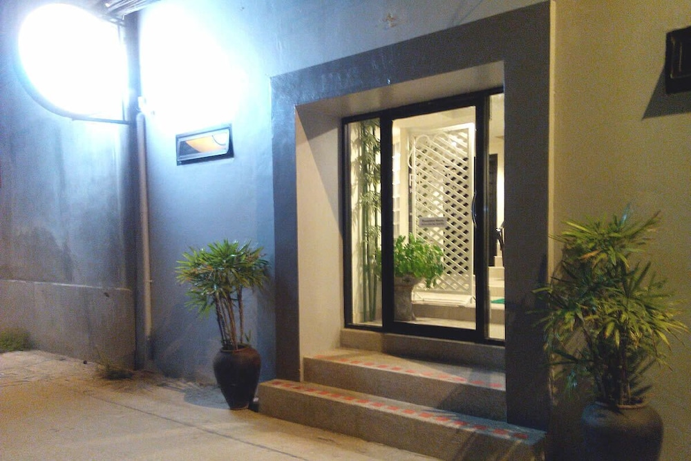 Front of Property - Evening/Night, M Place Pattaya