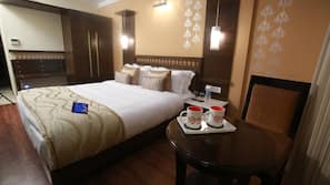 In-room safe, desk, rollaway beds, free WiFi