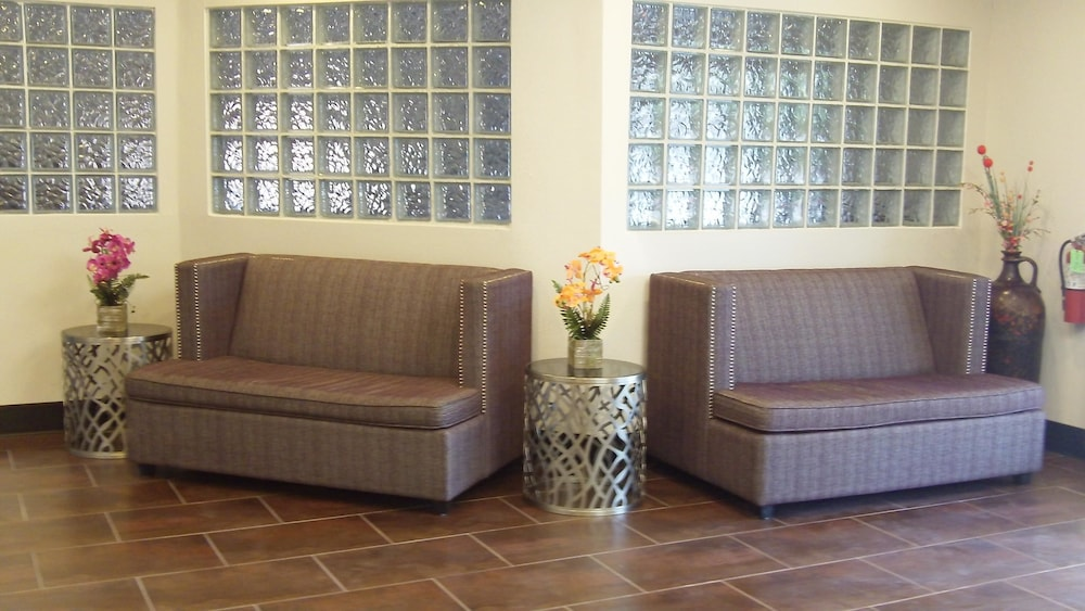 Lobby, SureStay Plus Hotel by Best Western Sacramento Cal Expo