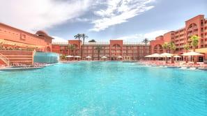 2 indoor pools, 2 outdoor pools, pool umbrellas, pool loungers