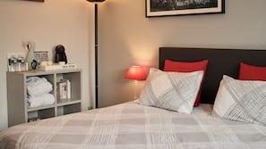 Hypo-allergenic bedding, free WiFi, wheelchair access