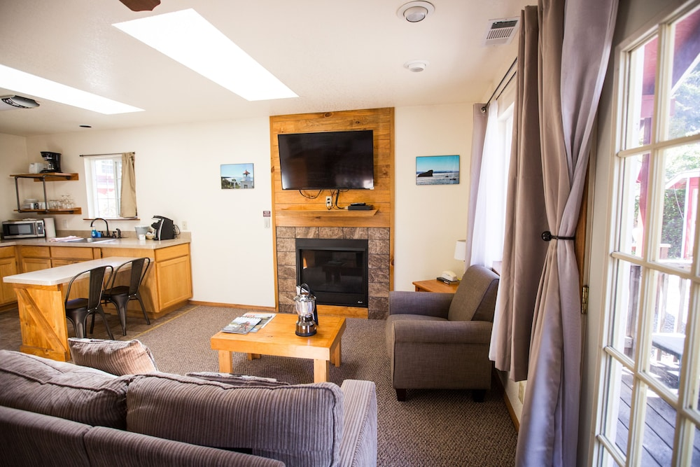 Room, View Crest Lodge