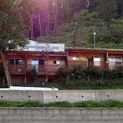 The Mermaid Lodge & Motel