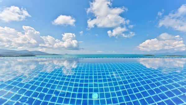 Outdoor pool, an infinity pool