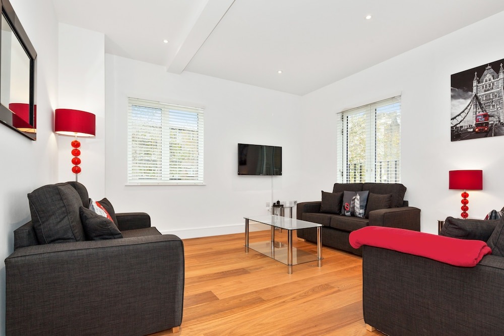 Living Room, Access West Kensington