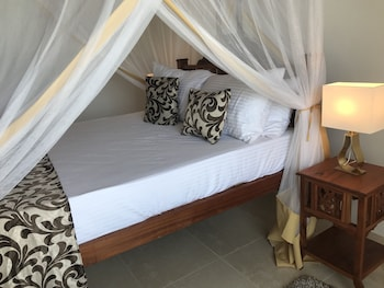 Jambiani White Sands Beach Bungalows