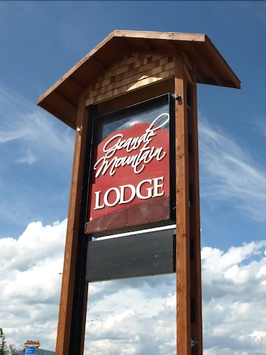 Grand Mountain Lodge