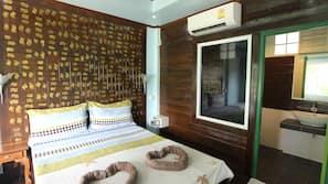 In-room safe, rollaway beds
