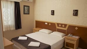 1 chambre, coffres-forts dans les chambres, bureau, lits bébé (gratuits)