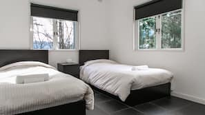 2 bedrooms, iron/ironing board, free cots/infant beds, free WiFi