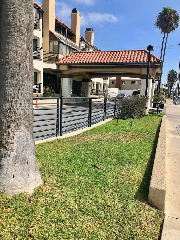 Huntington Beach Inn 2 5 Out Of 0