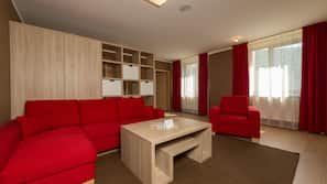 Minibar, in-room safe, desk, free cribs/infant beds