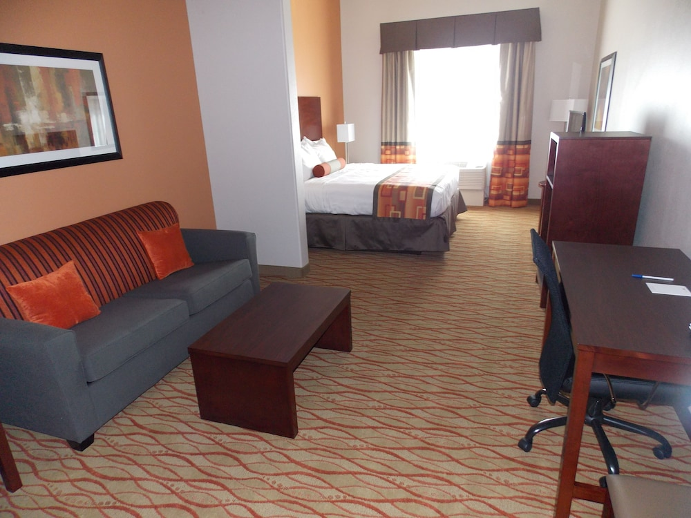 Living Area, Best Western Plus Spring Inn & Suites