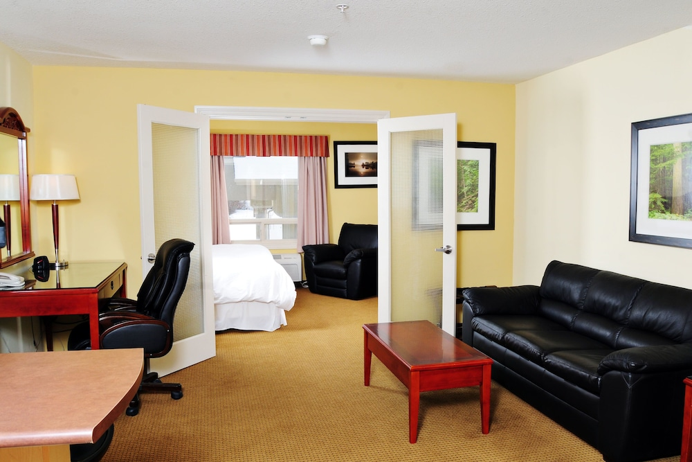 Trend Mountain Hotel And Conference Centre Tumbler Ridge Bc