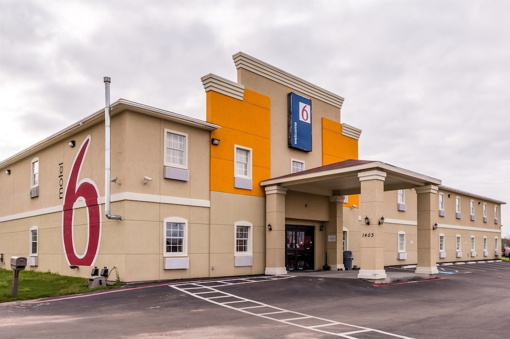 Motel  Pleasanton
